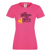 die-herrin-der-ringe-ringtraegerin-pink